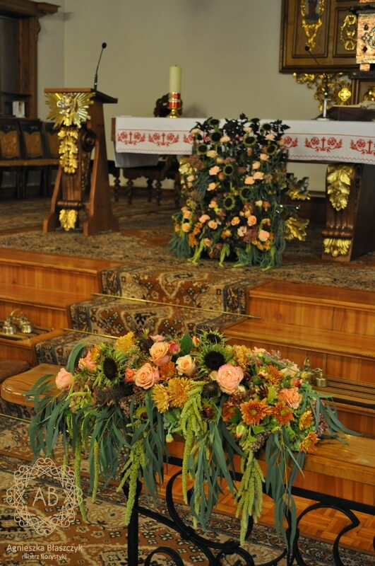 Dekoracja kościoła na ślub Kraków jesienne kompozycje Agnieszka Błaszczyk abkwiaty