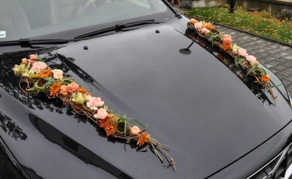 Dekoracja samochodu na ślub jesienna kompozycja na maskę Agnieszka Błaszczyk abkwiaty kraków