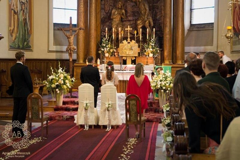 Dekoracja kościoła Kraków rustykalne kompozycje kwiaty w słoiczkach Agnieszka Błaszczyk abkwiaty