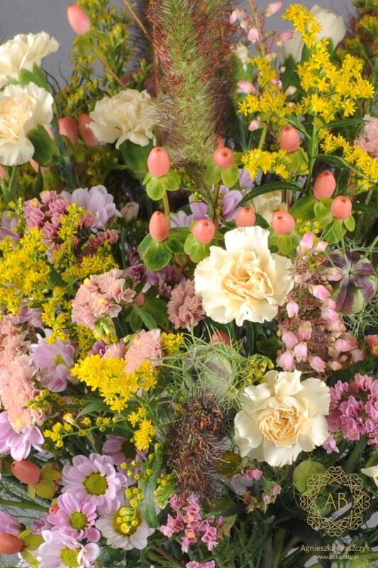 Bukiet kwiatów Kraków z czarnuszką, gożdzikiem, zatrwianem, nawłocią, trawami, dziurawcem Agnieszka Błaszczyk abkwiaty