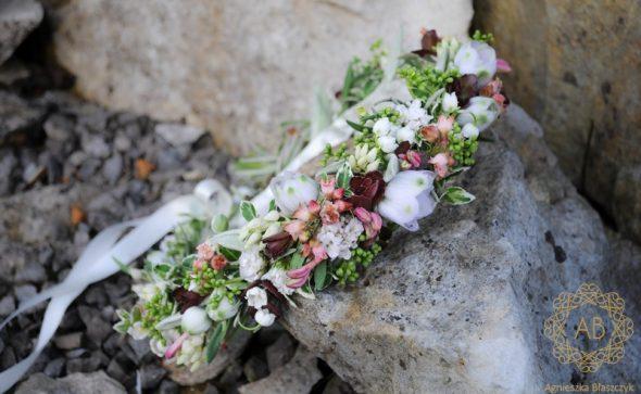 Wianek na sesję ślubną górską białe kwiaty rustykalny Agnieszka Błaszczyk abkwiaty Kraków
