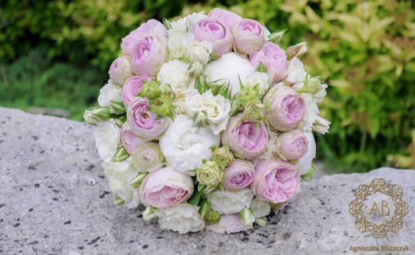 Bukiet ślubny Kraków różowo-biały róże piwonie romantyczny glamour Agnieszka Błaszczyk abkwiaty