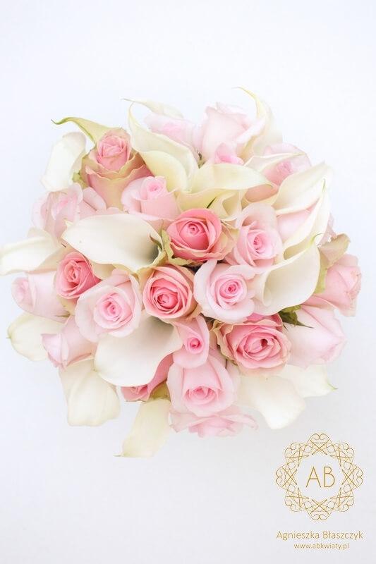 Bukiet ślubny okrągły biały różowy róża kalla cantedeskia Agnieszka Błaszczyk abkwiaty